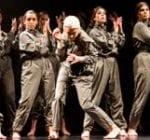 Grupo de baile moderno de la escuela Arte8
